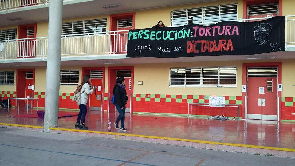 PROTESTA ESTUDIANTIL EN MAIPU 3